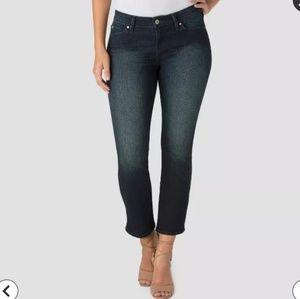 NWOT Denizen Levi's Modern Cropped Flare Jeans